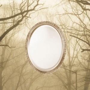 divination dans un miroir